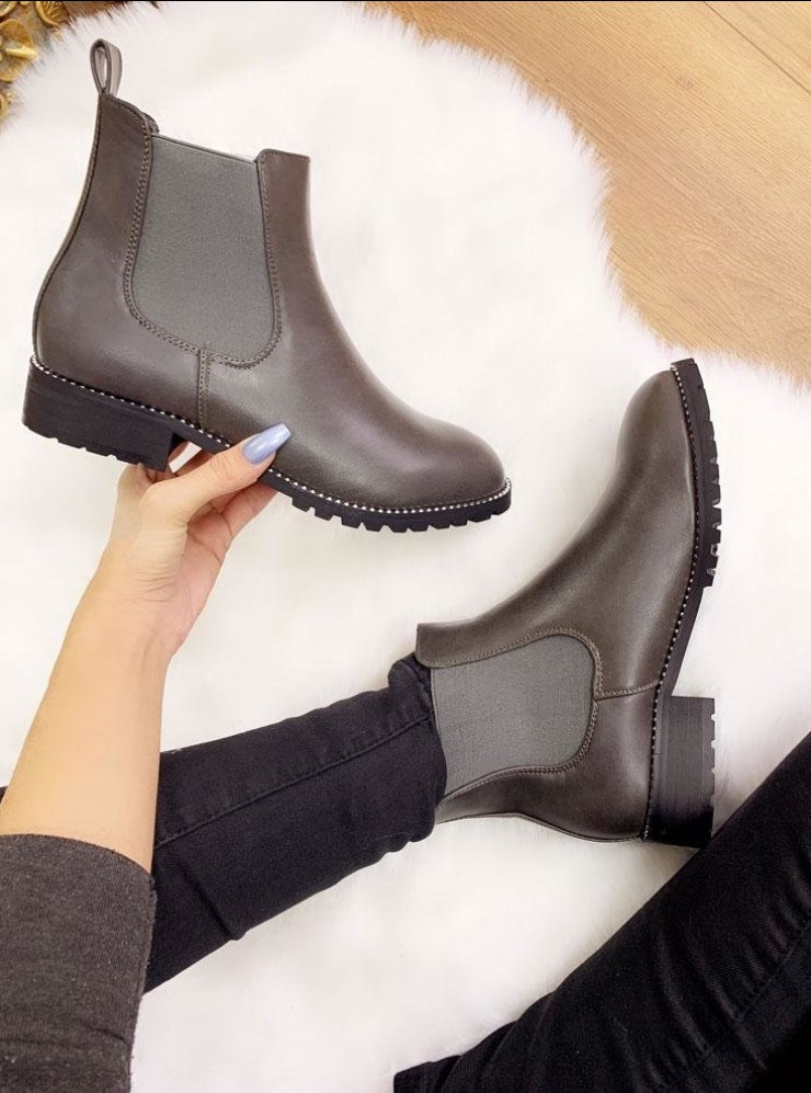 Solana Studded Detail Chelsea Boots
