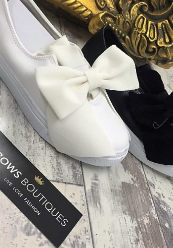 Dolce leatherette bow pump