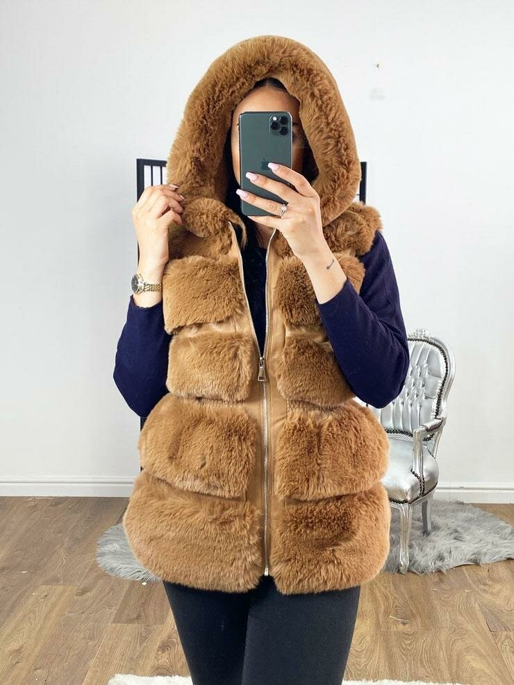 Candy Faux Fur Elasticated Waist Detailed Hooded Gilet